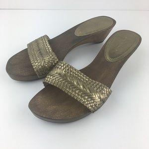 Ann Taylor Wooden Gold Sandals